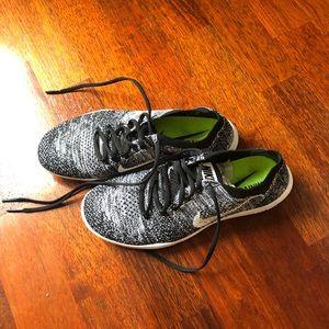 Nike free run size 6
